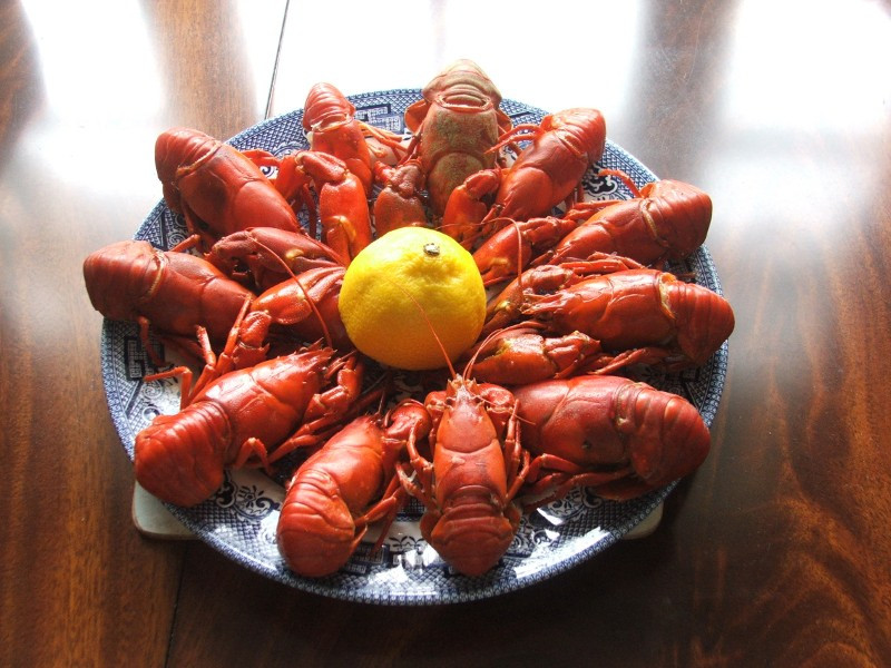 cooked crayfish